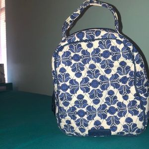 Vera Bradley Lunch Box in pattern Cobalt Blue